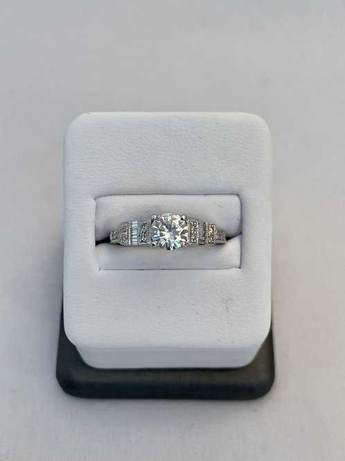 14kt White Gold 0.88 ct Diamond Ring with Baguettes