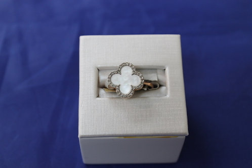 10k Rose Gold Mother of Pearl Shamrock Ring