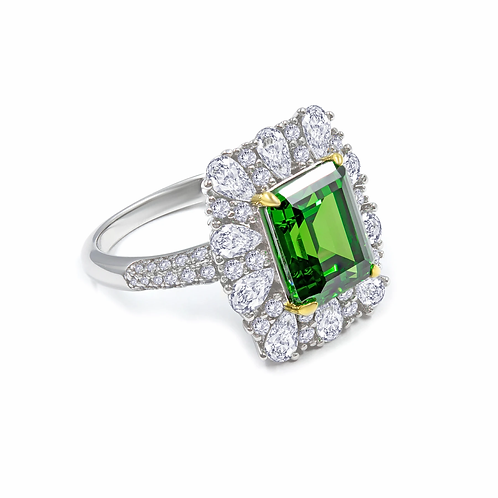 Grace 08 Ring in Emerald Green