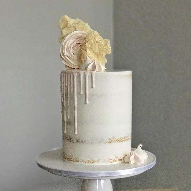 Semi-naked cake, ganache drip.