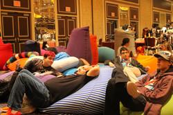 yogibo lounge2