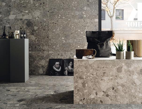 pavimenti-per-interni_Ceramica-Fioranese_Frammenta_Antracite-2013x1208-604x1208_Grigio-Chiaro-604x1208.jpg