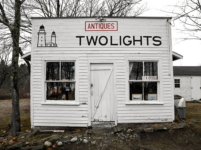 TWOLIGHTS