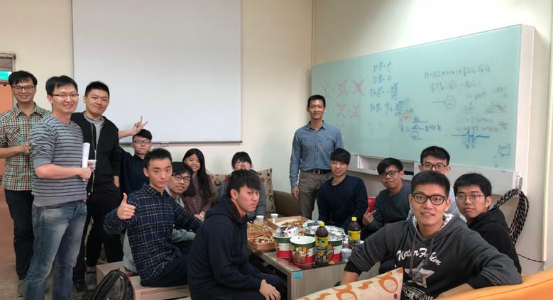 2017/12 undergrad. student party
