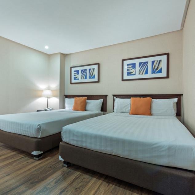 Dulexe room 2 Single Bed.jpg