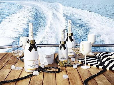 Floating Champagne Bars floating bar.jpe