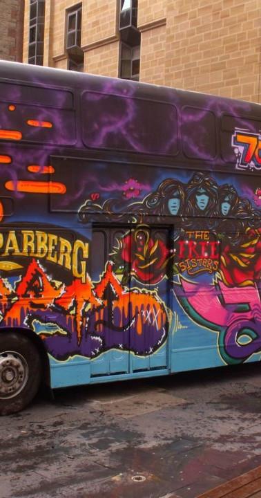 Edinburgh fringe festival bus