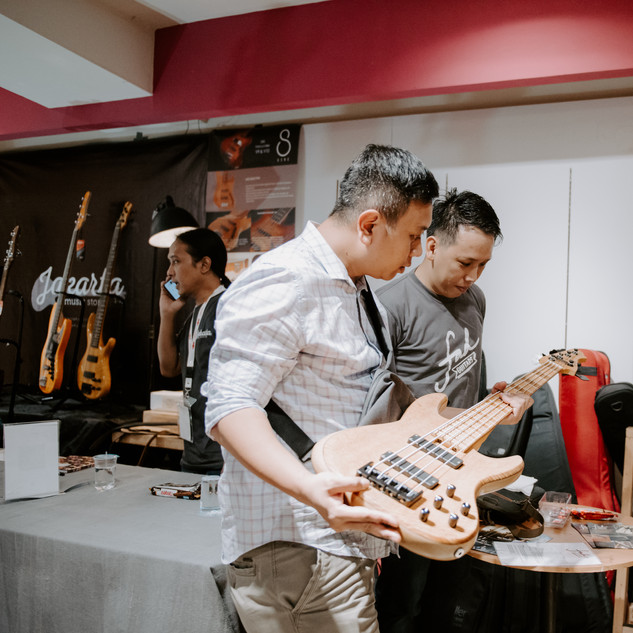bwhryo - guitar experience 2019 - d4-70.