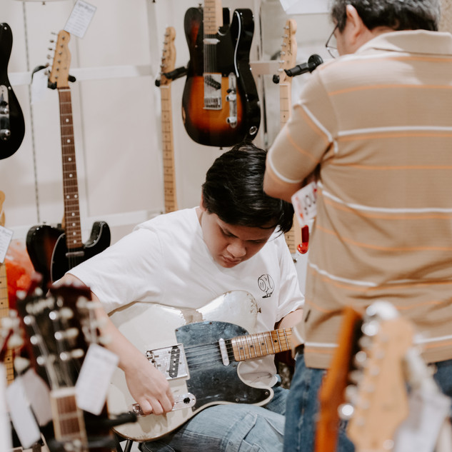 bwhryo - guitar experience 2019 - d4-85.