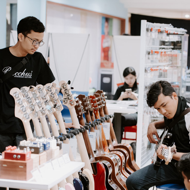 bwhryo - guitar experience 2019 - d4-75.