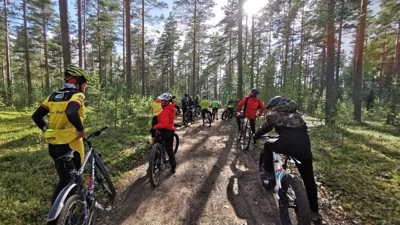 #Maanantainmaastopyöräilyt