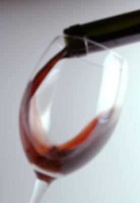 Strömender Wein