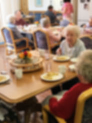 Inglewood Senior Living dining