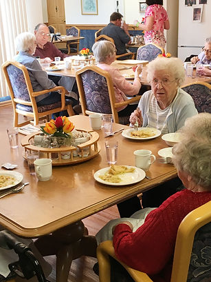 Inglewood Senior Living dining