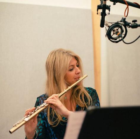Lisa Friend Flute Image 2-Chandos Recording
