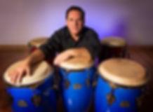 École de percussions ILU LADÉ – André Dupuis avec ses congas – Montréal, 2014 – Photo : Sébastien St-Jean
