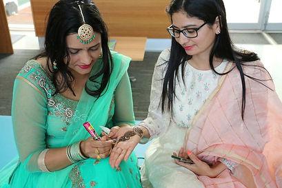 Sushma Gahlawat and Sangeeta Yadav (righ