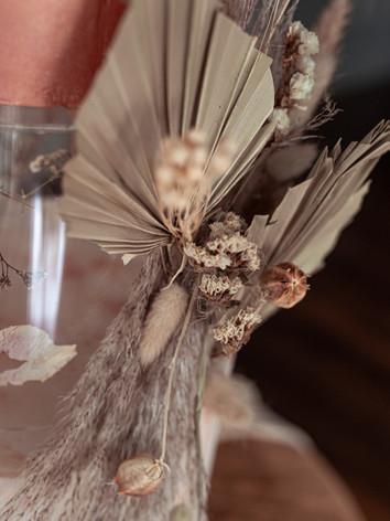 palm leaves wedding cake