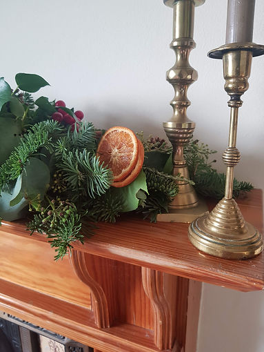 Mantelpiece arrangement