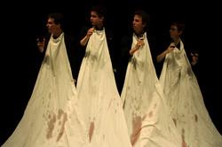 25.04.2010_Macbett_Theatre_du_Comsi_©_sylvain_chabloz_072