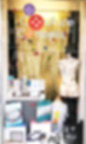 vitrine couture l'Atelier du Passe-temps