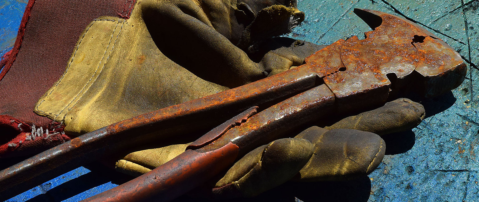 matériel de sculpture, gant e outil rouillé