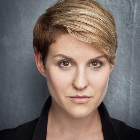 Leonie Schliesing - Actor, Singer, Voice Over Artist