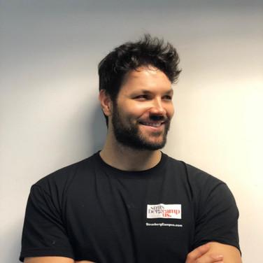 Alexander Ananasso - Vocal & Acting Coach