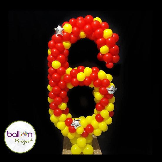 Цифра из воздушных шаров в Сочи
