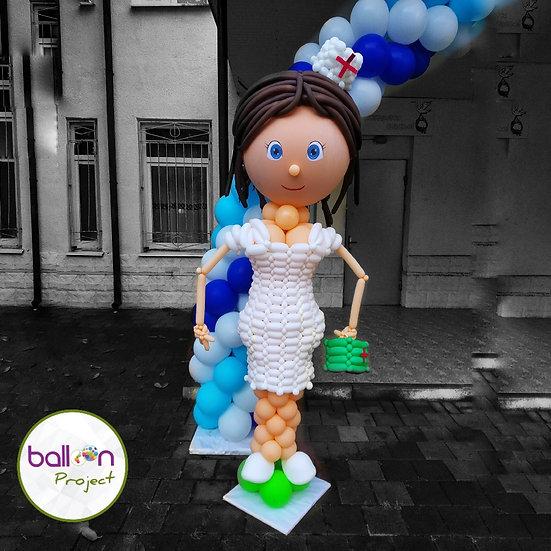Медсестра из воздушных шариков в Сочи большая фигура