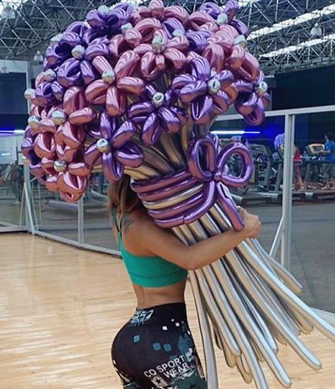 Огромный букет из шаров хром на день рождения в Сочи