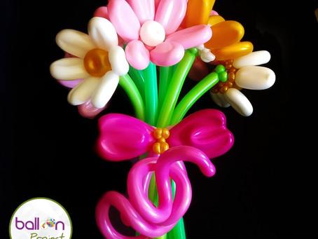 Подарок на день рождения. Цветы из воздушных шаров.