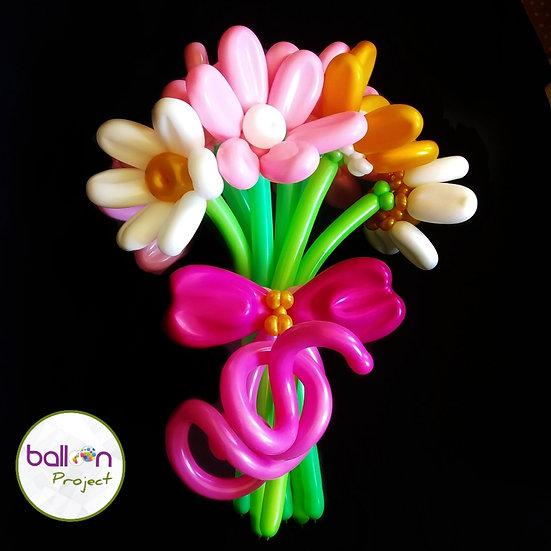 Букет цветов из воздушных шаров для девушек