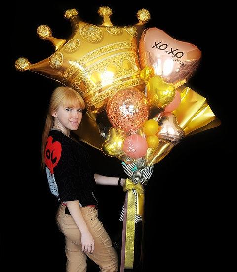 Крафт-букет из воздушных шаров с короной в Сочи