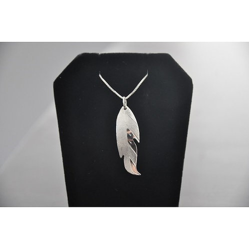 Feather (L) Pendant with Chain