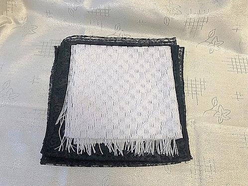 Белый ритуальный платок фото