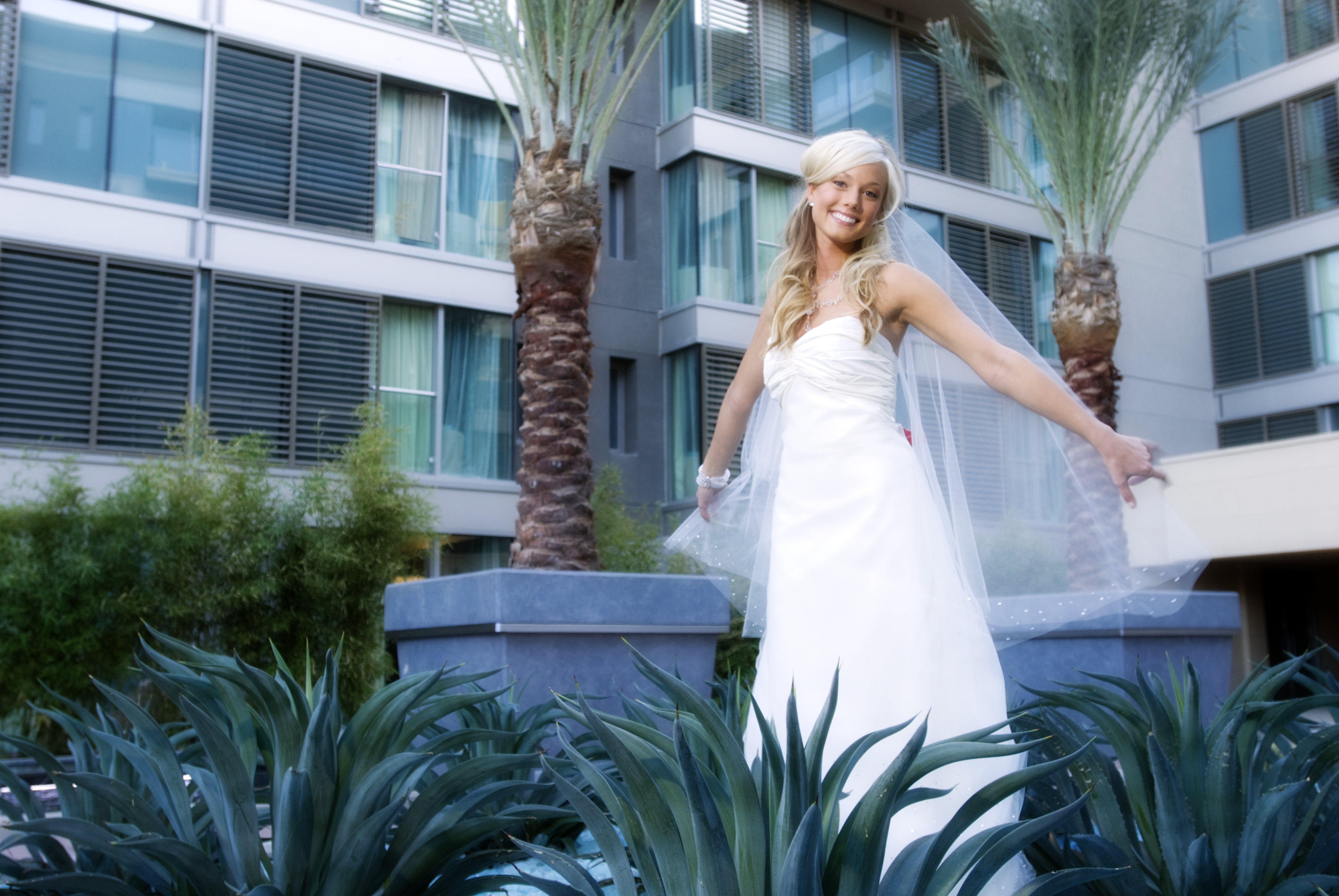 bridal057.jpg