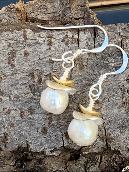 Pearl Earrings With Silver And Vermeil Discs (Freshwater )