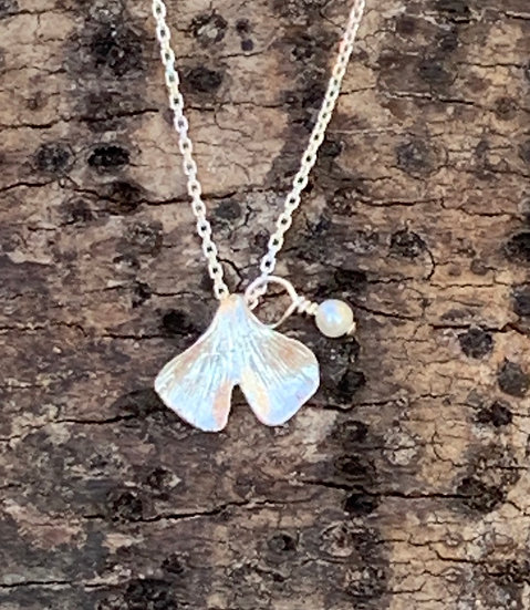Ginkgo Biloba Leaf Necklace (with freshwater pearl)