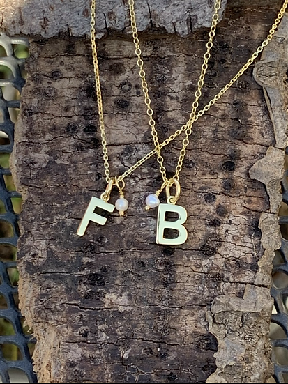 Initial necklaces in gold vermeil