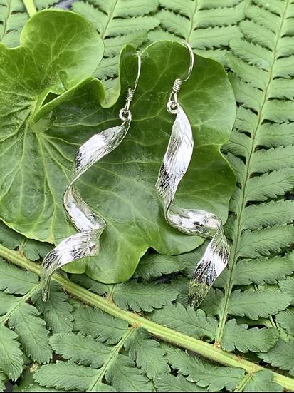 Silver curly leaf earrings