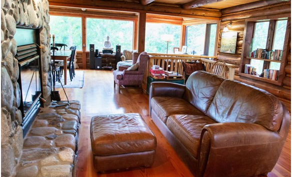Mixal Lodge Living roon