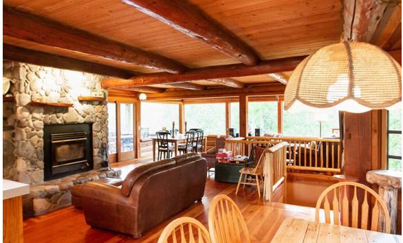 Mixal Lodge interior