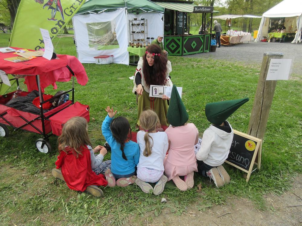Lesungen auf dem Frühlingsfest im Tierpark Sababurg