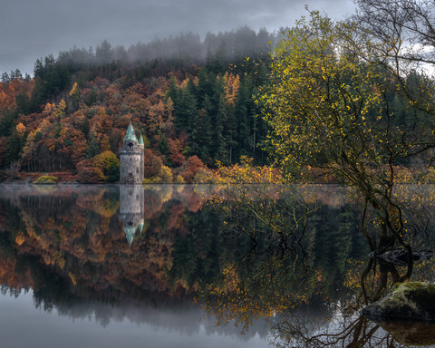 Lake-Vyrnwy-Tower-Autumn-Reflection.jpg