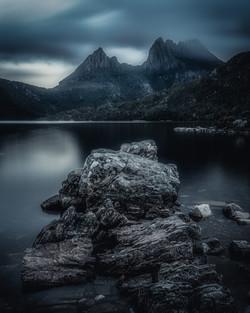 Cradle-Mountain-dove-lake-Dark-and-moody