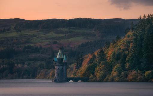 Lake-Vyrnwy-Tower-Autumn-Sunset.jpg