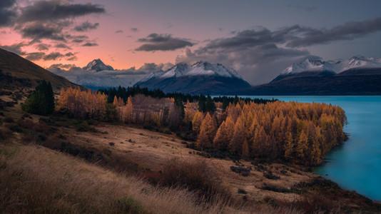 Mount-Cook-Lake-Pukaki-Autumn-sunset.jpg