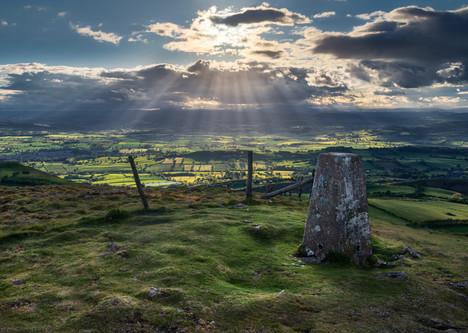 Corndon-Hill-summit-lightrays.jpg
