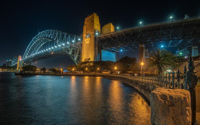 Sydney-Harbour-Bridge-Lit-Up-At-Night.jp